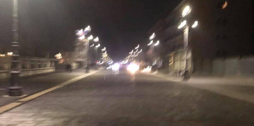 Ore 23:00, mentre Avellino si svuota a Napoli è guerriglia urbana