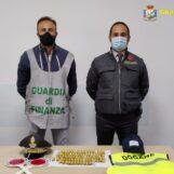 VIDEO/ Capodichino, fermato un gambiano con 80 ovuli di eroina nell'addome