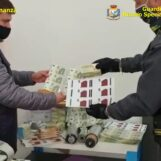 VIDEO/ Napoli, stamperia clandestina di banconote false: arresti e sequestri