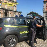 FOTO E VIDEO / Guardia di Finanza Napoli, giro di vite nel fine settimana con controlli anticovid e sulla movida