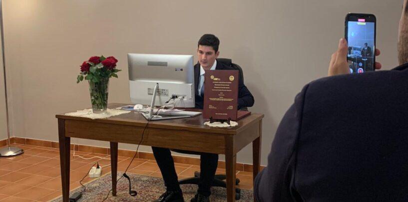 Congratulazioni al neo dottore Vincenzo Troisi