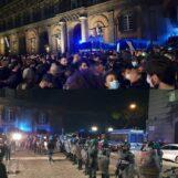 Dpcm: Napoli ancora in piazza