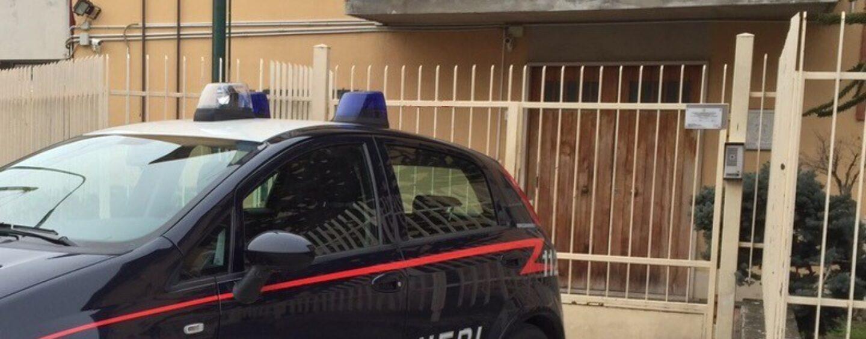 Melito Irpino, 40enne aggredisce la moglie e i carabinieri