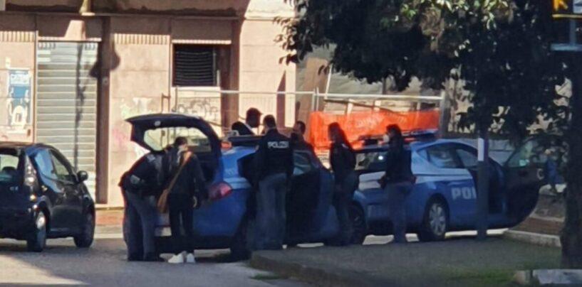 FOTO/ Baruffa tra extracomunitari in centro città: arriva la Polizia