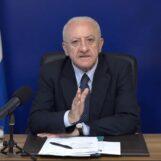 Governo, De Luca: riforma più urgente? Riapertura manicomi