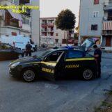 VIDEO / Guardia di Finanza Napoli, 453 controlli nel fine settimana su persone ed esercizi commerciali; 1 arresto e 10 sanzioni