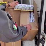 VIDEO/ Castel Volturno, sequestrate oltre 2 tonnellate di sigarette da contrabbando