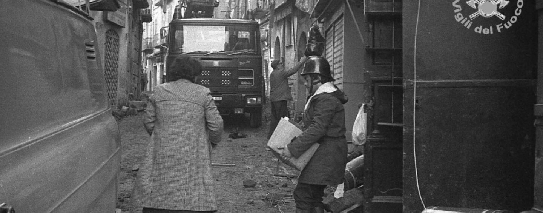 """""""Mio padre, vigile del fuoco nell'80: lo rivedemmo dieci giorni dopo la scossa del 23 novembre"""""""
