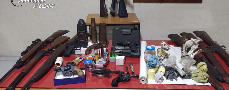 Serino, sequestrati esplosivi e armi clandestine dopo il raid in un esercizio pubblico