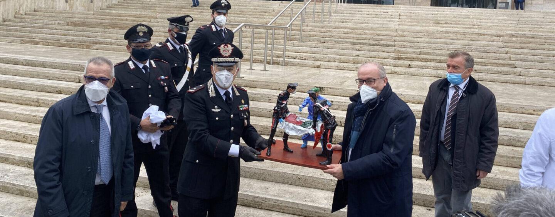 """Al """"Monaldi"""" di Napoli una statua donata ai medici dai Carabinieri"""