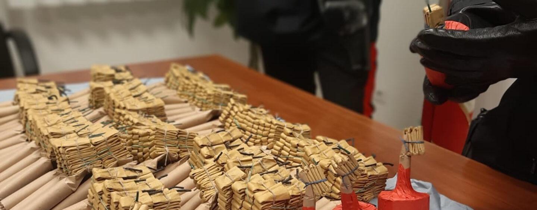 Botti illegali sequestrati dai Carabinieri: 20enne finisce in manette