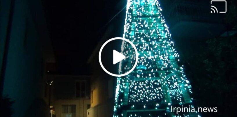 VIDEO/Sturno, l'albero di Natale luminoso da record che illumina la valle dell'Ufita