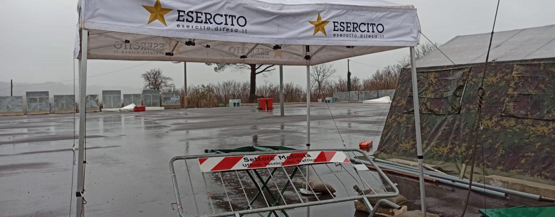 FOTO  E VIDEO / Maltempo: crolla facciata stabile vicino Napoli, nessun ferito. Ad Avellino problemi a Campo Genova