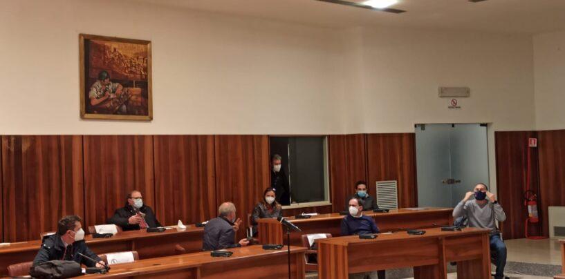 """""""Oggi è morta la democrazia"""". Consiglio comunale Avellino, nuovo strappo della minoranza"""