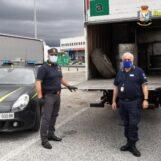 VIDEO/ Guardia di Finanza e Agenzia delle Dogane sequestrano 3 tonnellate di rifiuti diretti in Libia