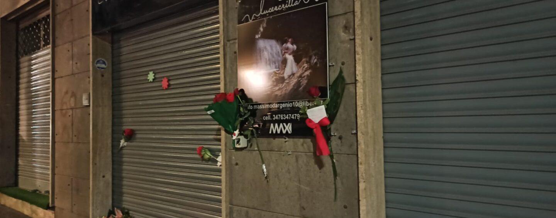 FOTO / Fiori e messaggi davanti al suo laboratorio: l'addio di Avellino e dei commercianti a Massimo D'Argenio