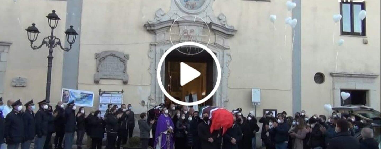 VIDEO/Candida: l'ultimo saluto a Giuseppe, il poliziotto 41enne stroncato dal Covid