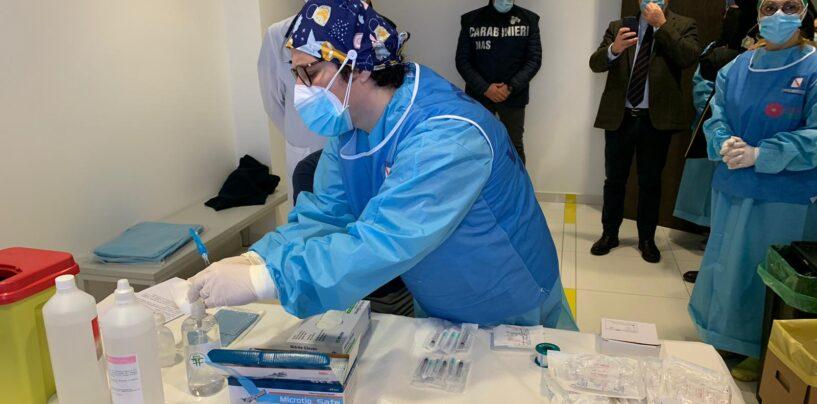Covid, al Moscati due giorni di vaccinazioni per donne incinte e in allattamento