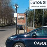 Alla vista dei Carabinieri si dà alla fuga nei campi: arrestato pregiudicato