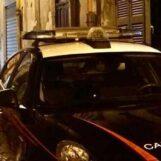 Napoli, palpeggia adolescente alla fermata dell'autobus: arrestato