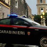 Napoli, carabinieri impegnati contro gli assembramenti: 14 persone sanzionate