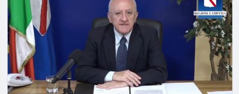 """Covid, De Luca: """"Tutta Italia sia zona arancione"""". Agli anziani: """"Vaccinatevi"""""""