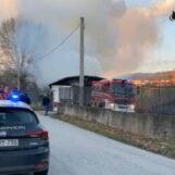 Incendio in un deposito di pellami a Banzano di Montoro: nessun ferito