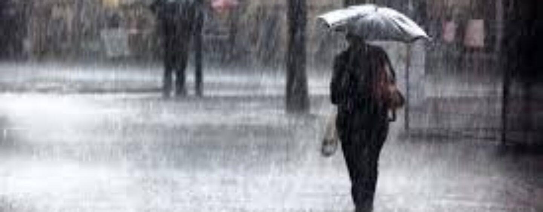 Raffiche di vento e temporali, in Campania allerta meteo fino a lunedì mattina