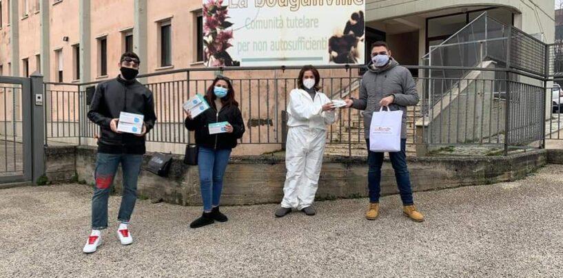 Grottolella, il Forum Giovani e l'Azione Cattolica consegnano beni alimentari e mascherine