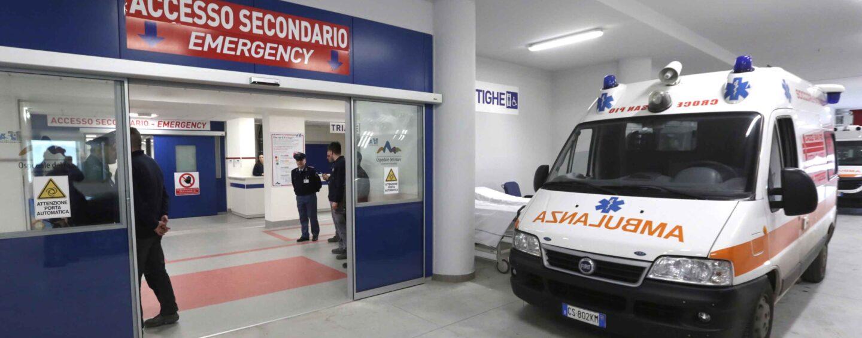 Paura all'Ospedale del Mare, voragine nel parcheggio
