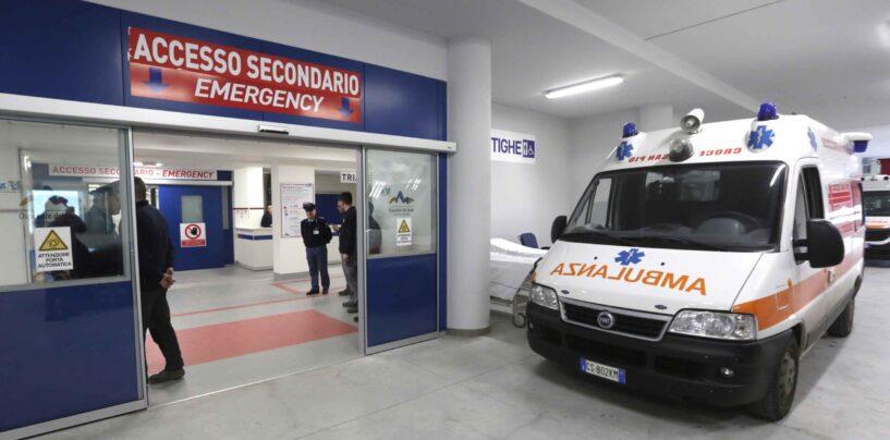 Napoli, ospedale del Mare: 22enne sfila il cellulare ad un paziente, arrestato