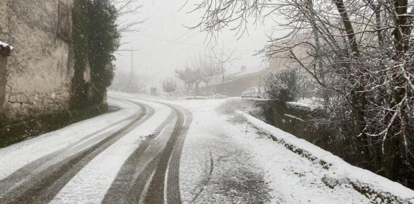 Neve e gelate in Irpinia, la situazione scuole in provincia