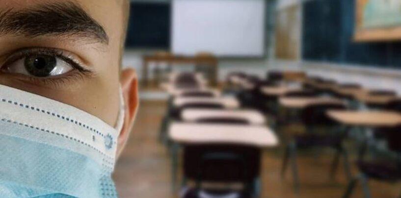 Campania: da lunedì in classe ma fino alle terze elementari. Servizio mensa solo per i convitti