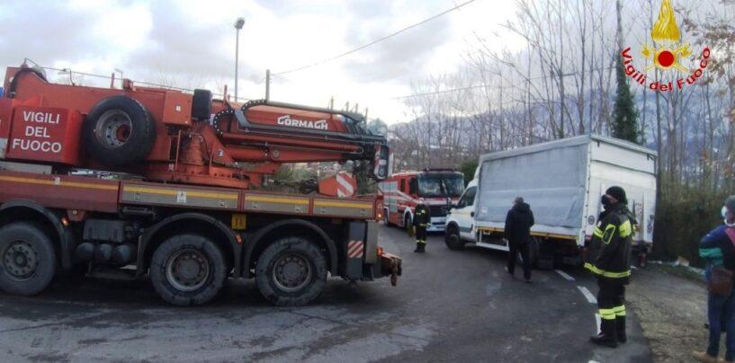Roccabascerana, automezzo impantanato: intervengono i Vigili del Fuoco