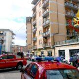 VIDEO / Avellino: i Vigili del Fuoco soccorrono una signora colta da malore
