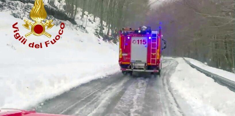 Montella, monte Terminio: i vigili del fuoco salvano tre giovani bloccati nella neve