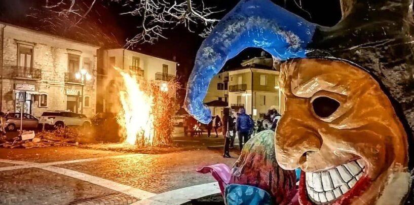 """FOTO /  Le tradizioni motore di sviluppo in Irpinia, il Carnevale non è """"morto"""": Fai e Castelvetere docet"""
