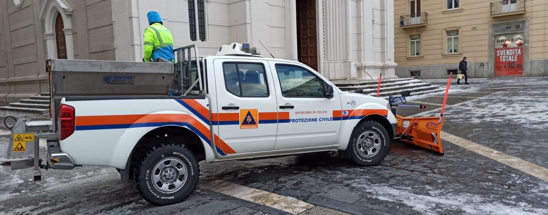 Neve, 350 interventi dei vigili del Fuoco in Campania. Ghiaccio: si corre ai ripari