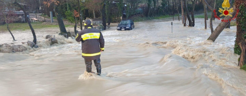 """FOTO / Maltempo, Irpinia """"flagellata"""": 50 interventi dei vigili del fuoco"""