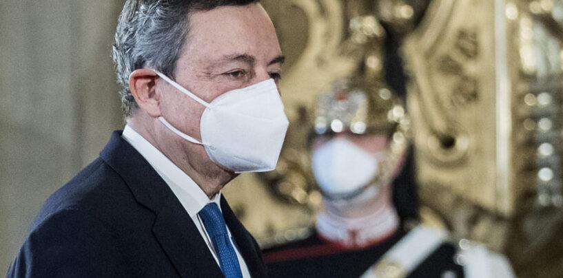"""Draghi: """"Sì a obbligo vaccinale e terza dose, Green pass verrà esteso"""""""