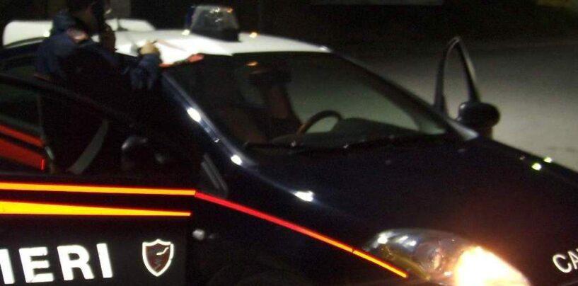 Montella, 30enne in giro in auto con due coltelli a serramanico: denunciato