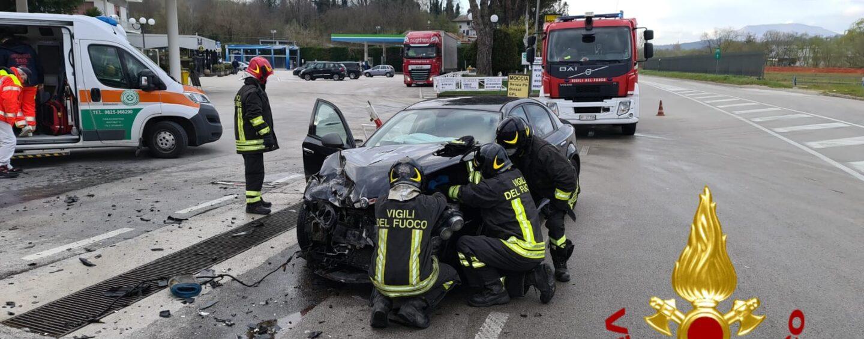 Schianto a Pratola Serra: illesi i conducenti