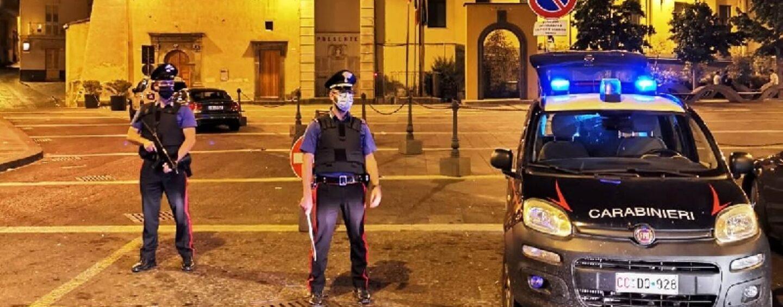 Covid: giocano a carte al circolo senza mascherina, 8 sanzioni a Napoli