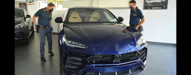 Simulano la vendita di auto di lusso: scatta il sequestro per oltre 500mila euro