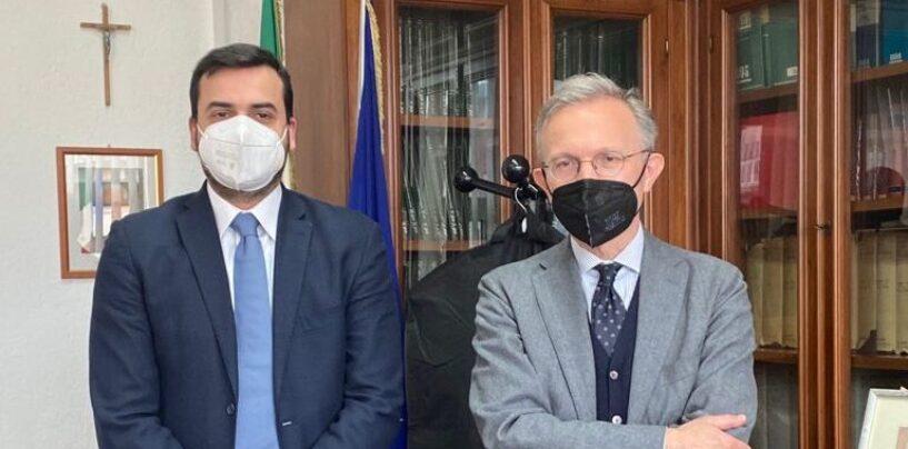 """""""Bentornato ad Avellino"""": Il Sottosegretario Sibilia incontra il Procuratore Airoma. Focus su inchieste in corso e nuovi filoni d'indagini"""