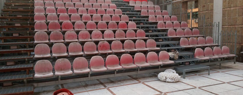 FOTO / Avellino, il Parco del Teatro in condizioni pietose: la rabbia dei cittadini