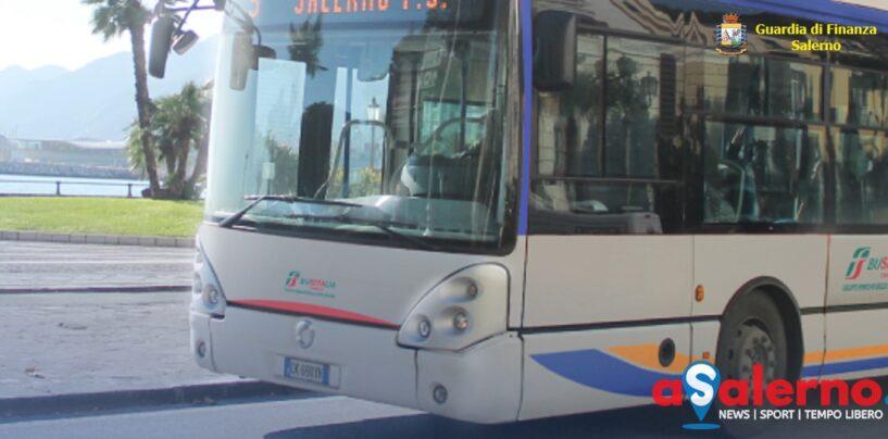 Salerno, minaccia con un coltello l'autista del bus: rischia 5 anni di reclusione
