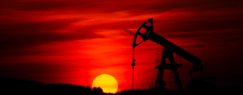 I fattori che vengono presi in considerazione dagli operatori finanziari per la determinazione del prezzo del petrolio