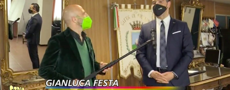 "VIDEO/ Pista ciclabile viale Italia, bike sharing e metrò leggera: Luca Abete ""interroga"" Festa"
