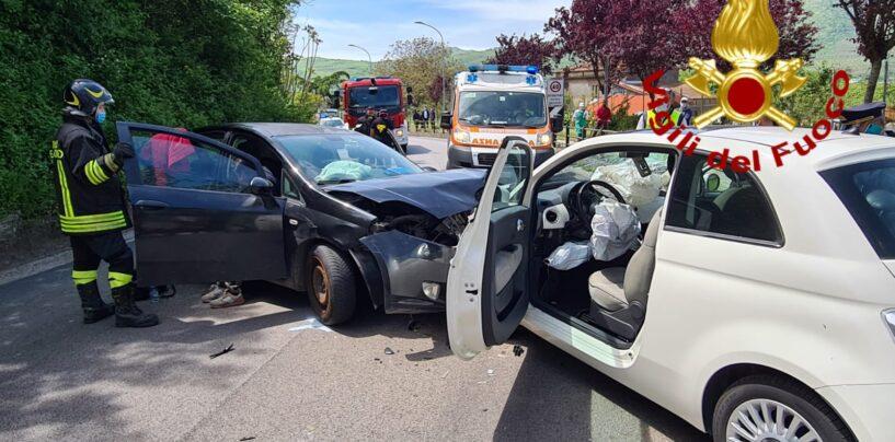 Montoro, incidente tra due auto: sei persone ferite